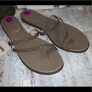 NEW Vince Camuto bronze brown sandals 8.5